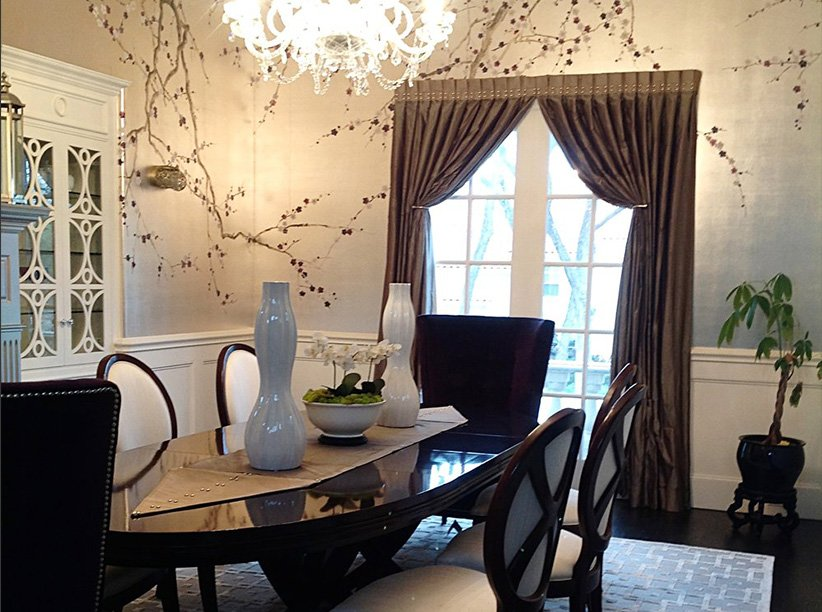 Flawless formal dining room decor
